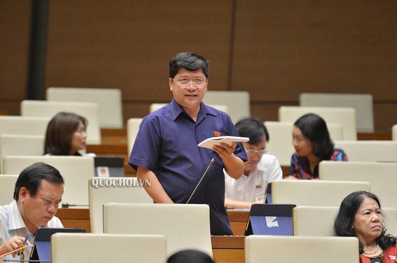 Đại biểu Tạ Văn Hạ (Bạc Liêu) phát biểu tại Quốc hội.