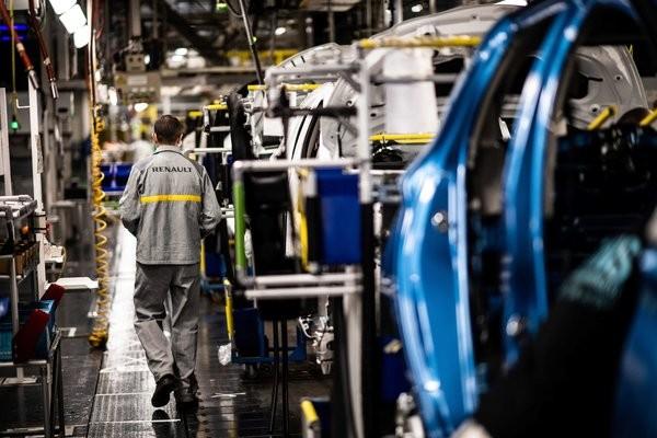 """""""Ngấm đòn"""" COVID-19, Renault cắt giảm 15.000 vị trí việc làm trên toàn cầu"""