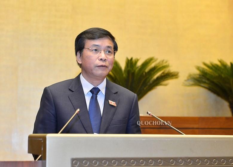 Tổng thư ký Quốc hội Nguyễn Hạnh Phúc trình bày báo cáo tiếp thu, giải trình.
