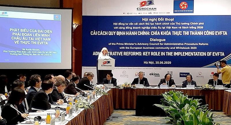 Bà Axelle Nicaise, Phó Trưởng Phái đoàn EU tại Việt Nam phát biểu tại hội nghị.