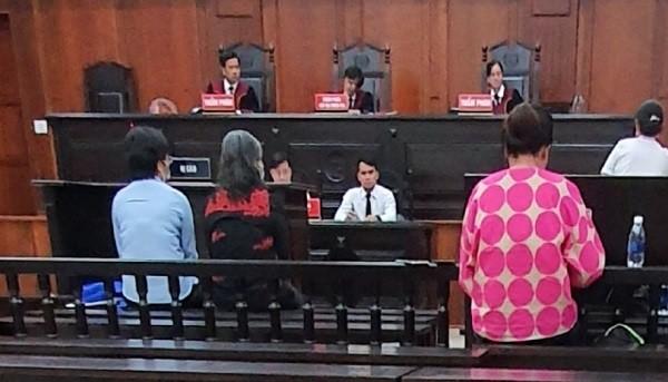 Phiên tòa phúc thẩm đại án Hứa Thị Phấn chiều ngày 29/6 tạm hoãn