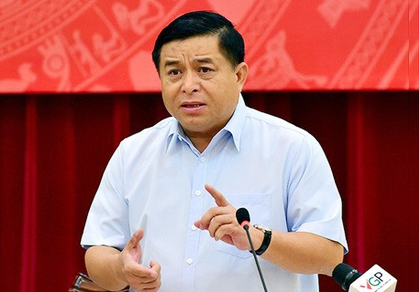 Bộ trưởng Nguyễn Chí Dũng khẳng định, phải coi thúc đẩy và giải ngân hết kế hoạch vốn đầu tư công năm 2020 là mục tiêu lớn, quan trọng, là giải pháp then chốt để góp phần hỗ trợ thúc đẩy tăng trưởng kinh tế 6 tháng cuối năm 2020.