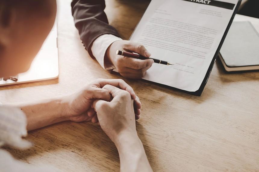 Nhiều trường hợp khách hàng mua bảo hiểm là để đối phó nhằm được giải ngân khoản vay