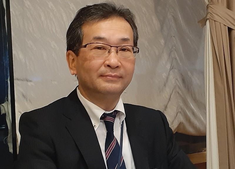 Ông Yoshida Tomoyuki, người phát ngôn của Thủ tướng Nhật Bản Suga Yoshihide trong chuyến thăm Việt Nam, chia sẻ tại buổi họp báo tối 19/10. Ảnh: Lê Quân