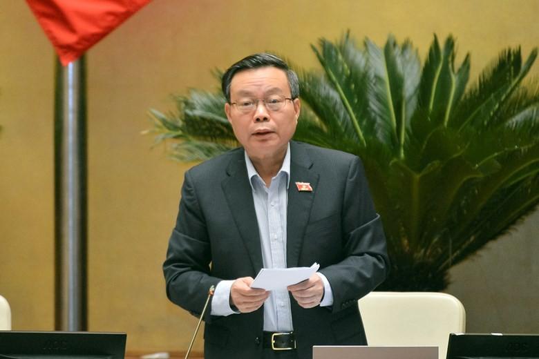 Phó Chủ tịch Quốc hội Phùng Quốc Hiền điều hành phiên thảo luận.