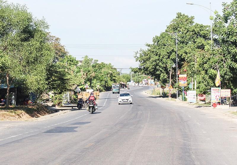 Đoạn đường thuộc tuyến Quốc lộ 9 đi cảng Cửa Việt (Ảnh: báo Quảng Trị).