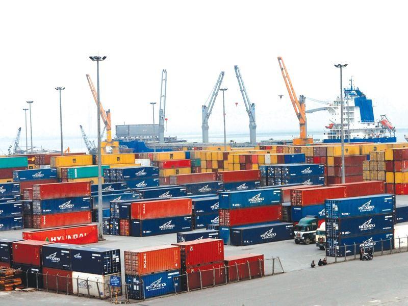 """Quy mô ngành logistics ước tính khoảng 40 - 42 tỷ USD, nhưng nhiều năm nay, doanh nghiệp Việt vẫn đang """"lép vế"""" so với các doanh nghiệp ngoại."""