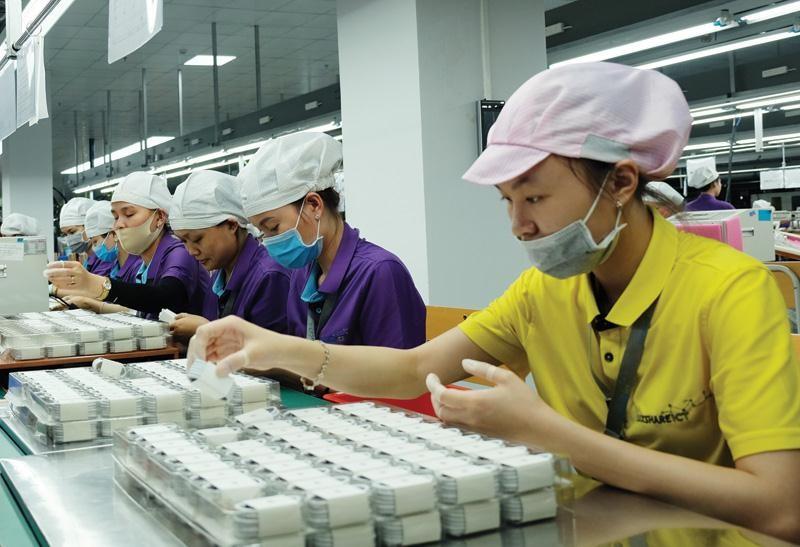 Những đối tác lớn của Apple đều đang không ngừng mở rộng đầu tư ở Việt Nam. Trong ảnh: Nhà máy của Luxshare tại Nghệ An.
