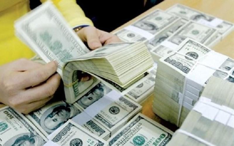 Dịch vụ chuyển tiền kiều hối với sự tham gia của nhiều ngân hàng, doanh nghiệp với phí dịch vụ chỉ bằng 0,05% khoản tiền gửi và tối đa không quá 200 USD.