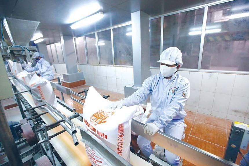 Đường ngoại tràn ngập khiến đường sản xuất trong nước lao đao. Ảnh: Đức Thanh