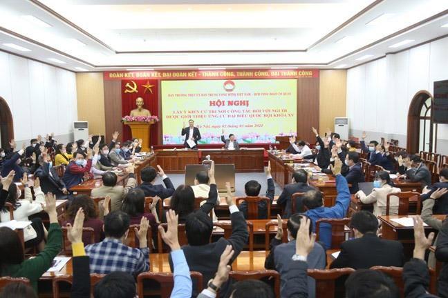 100% cử tri tại hội nghị đã đồng ý giới thiệu ông Trần Thanh Mẫn và ông Hầu A Lềnh ứng cử đại biểu Quốc hội khóa XV.