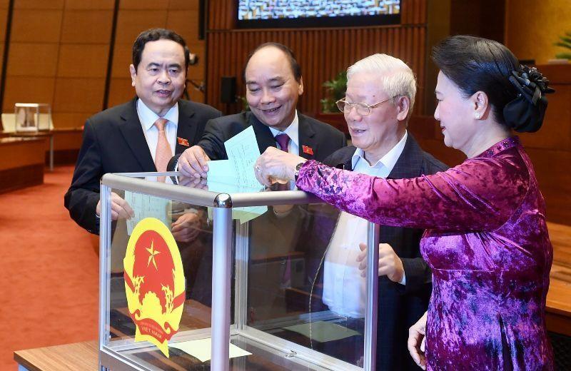 Lãnh đạo Đảng, Nhà nước, Quốc hội bỏ phiếu kín miễn nhiệm Thủ tướng Chính phủ Nguyễn Xuân Phúc (sáng 2/4)