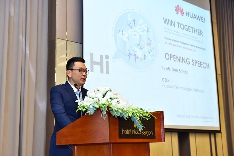 CEO Huawei Việt Nam Sun Bohan chia sẻ tại Hội nghị Hệ sinh thái các đối tác của Huawei Việt Nam năm 2021