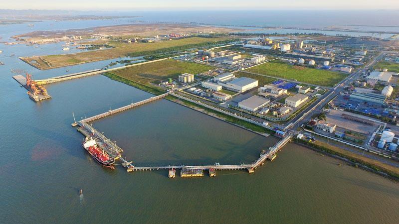 Đầu tư xây dựng khu công nghiệp và khu phi thuế quan Xuân Cầu 752 ha tại khu vực Cảng Lạch Huyện
