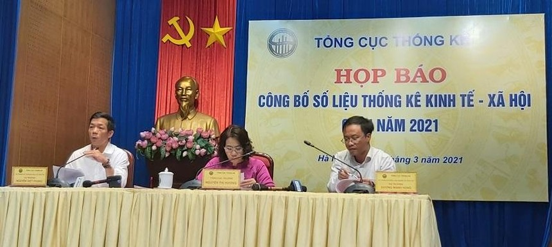 """""""Trong 3 tháng đầu năm chỉ đón được 48.100 lượt khách quốc tế, giảm 98,7% so với cùng kỳ năm trước khiến lao động, việc làm ở lĩnh vực du lịch, khách sạn, vận tải bị tác động tiêu cực nghiêm trọng"""", ông Nguyễn Việt Phong"""