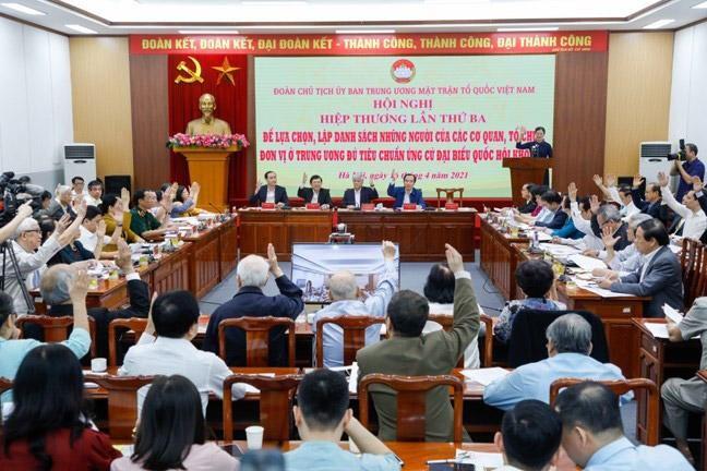 Hội nghị Hiệp thương lần thứ ba của Uỷ ban Trung ương Mặt trận Tổ quốc Việt Nam đã thống nhất danh sách 205 ứng viên đại biểu Quốc hội Trung ương.