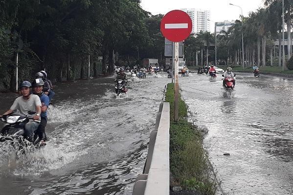 Nhiều dự án chống ngập sẽ hoàn thành trước dịp lễ 30/4 nhằm giải quyết tình trạng ngập nặng trong mùa mưa (Ảnh: Việt Dũng)