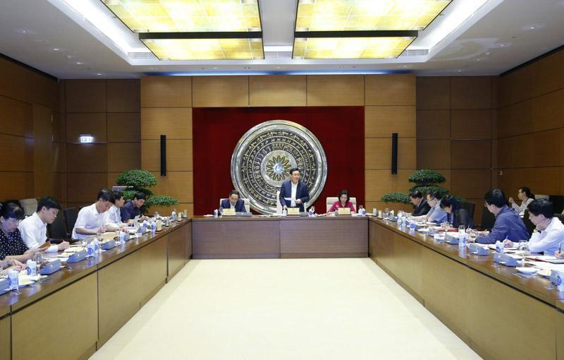 Chủ tịch Quốc hội Vương Đình Huệ làm việc với Ban Công tác đại biểu thuộc Uỷ ban Thường vụ Quốc hội (Ảnh DT)