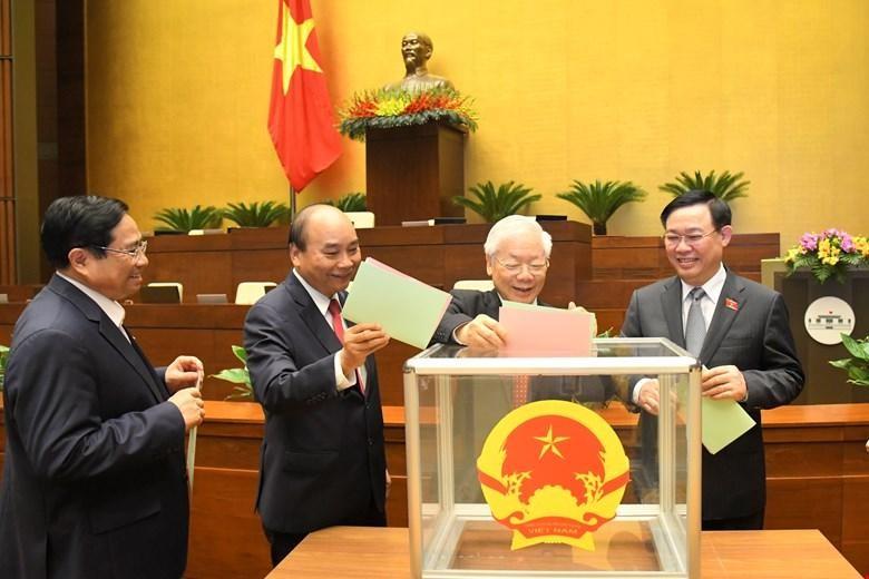 Các vị lãnh đạo cao nhất của Đảng và Nhà nước bỏ phiếu kiện toàn nhân sự tại kỳ họp thứ 11, khóa XIV của Quốc hội - (Ảnh Quochoi.vn).