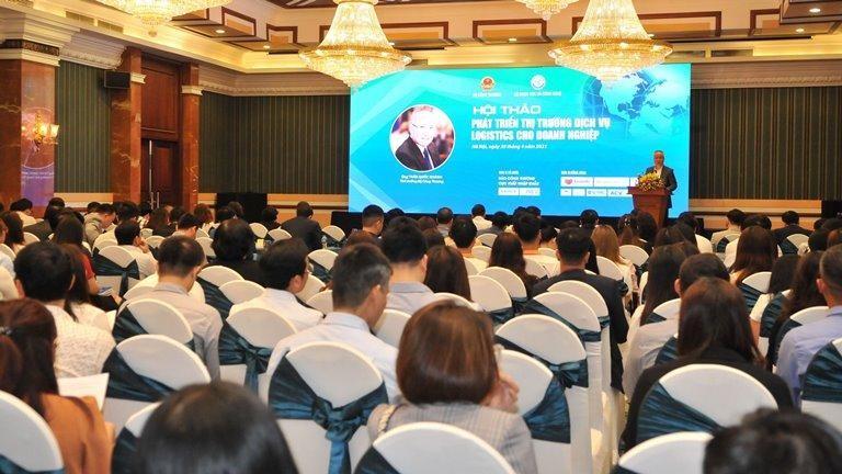 Ngành dịch vụ logistics Việt Nam đang đứng trước bài toán cắt giảm chi phí để nâng cao năng lực cạnh tranh.
