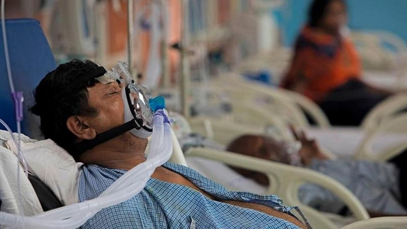 Số ca nhiễm Covid-19 trong ngày tại Ấn Độ hôm 1/5 vượt mốc 400.000, sau 10 ngày liên tiếp đạt trên 300.000. Ảnh: AFP