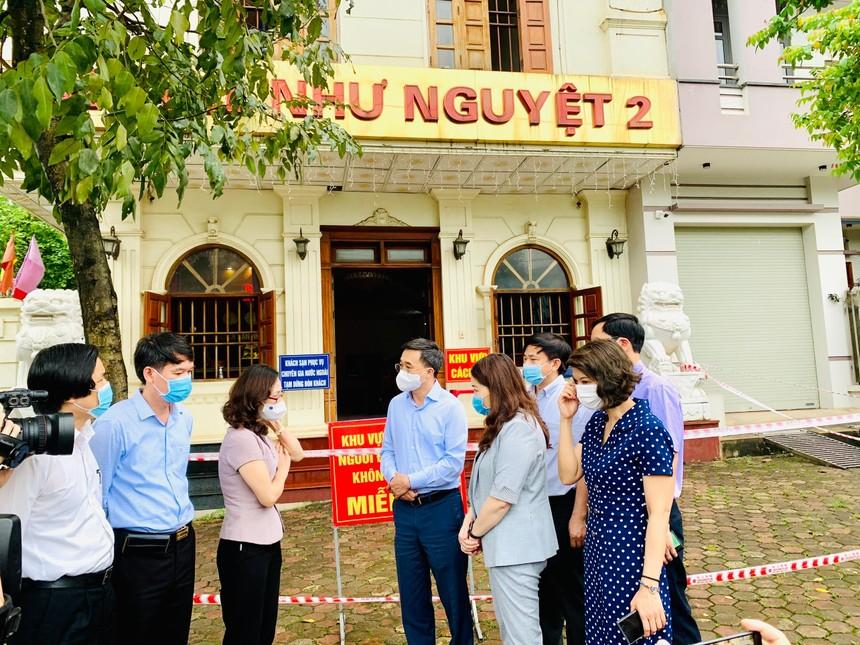 Lãnh đạo Bộ Y tế kiểm tra công tác chống dịch tại Yên Bái.