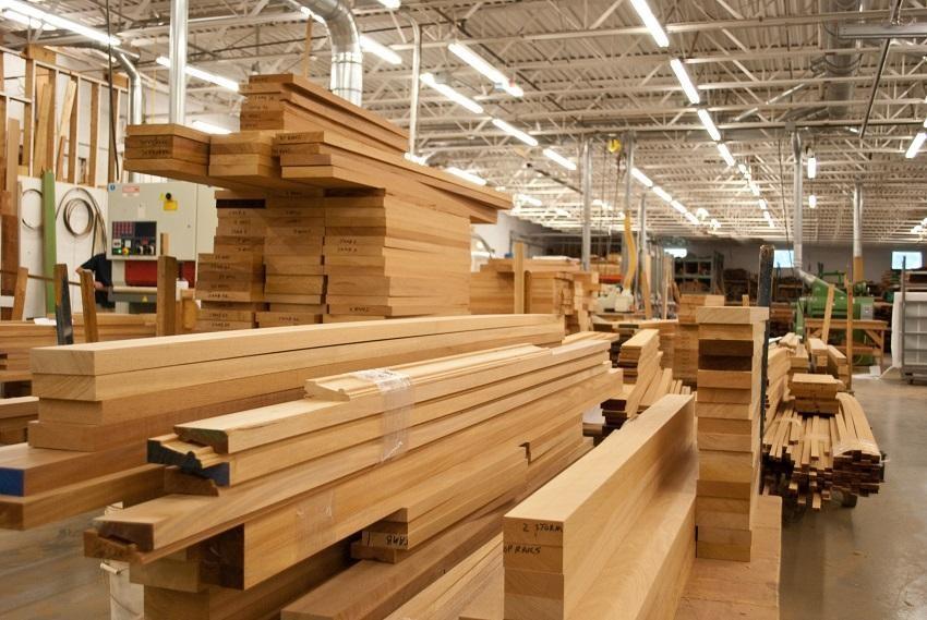 Ngoài 5 nhóm hàng xuất khẩu đạt kim ngạch trên 5 tỷ USD, đồ gỗ cũng là mặt hàng đạt xấp xỉ 5 tỷ USD sau 4 tháng đầu năm 2021.