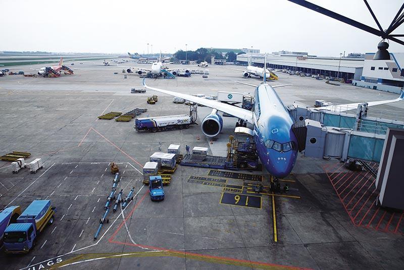Trong 10 năm tới, sẽ tập trung đầu tư, nâng cấp các cảng hàng không lớn, như Nội Bài, Long Thành... Ảnh: Đ.T