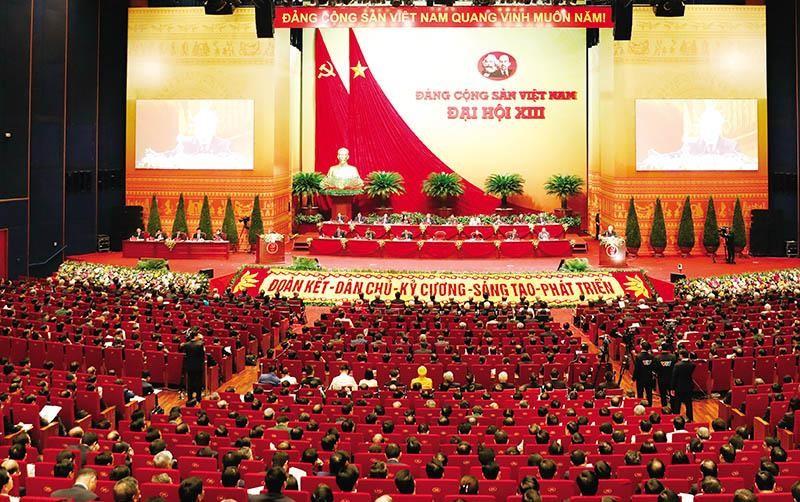 Đại hội Đảng lần thứ XIII đã đưa khát vọng phát triển đất nước phồn vinh, hạnh phúc trở thành một khát vọng thiêng liêng, lớn lao, có sự hòa hợp của ý Đảng và lòng dân, sự đồng tâm, nhất trí của toàn thể nhân dân