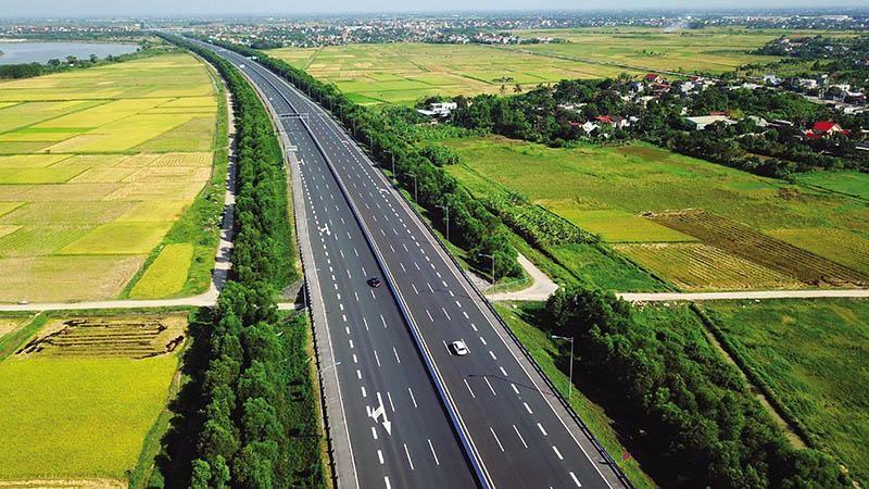 Việc đầu tư hoàn thiện tuyến đường bộ cao tốc Bắc - Nam từ Lạng Sơn đến Cà Mau sẽ là một trong những động lực tăng trưởng của nền kinh tế đất nước