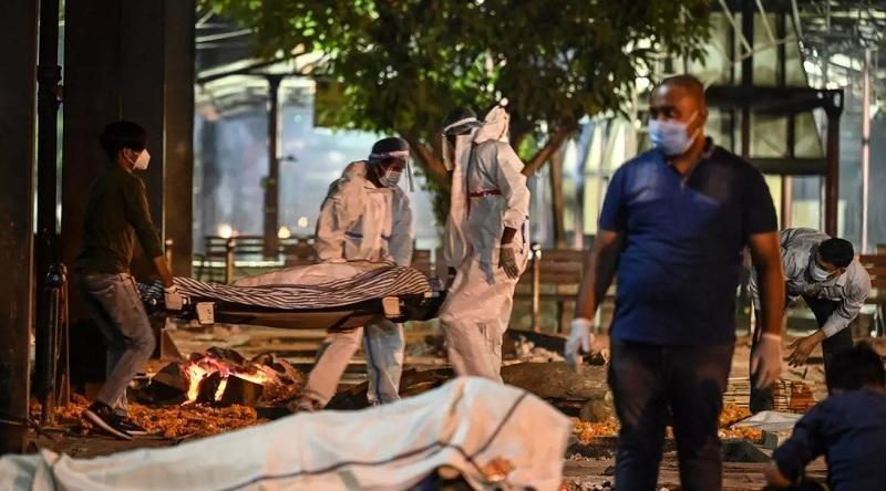 Ấn Độ đang vật lộn với làn sóng Covid-19 thứ hai tàn khốc. Ảnh: AFP