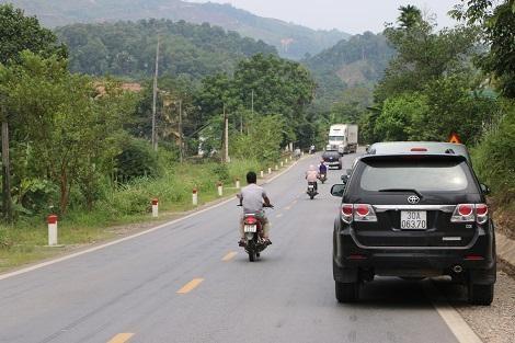 Một đoạn Quốc lộ 2 qua Hà Giang.