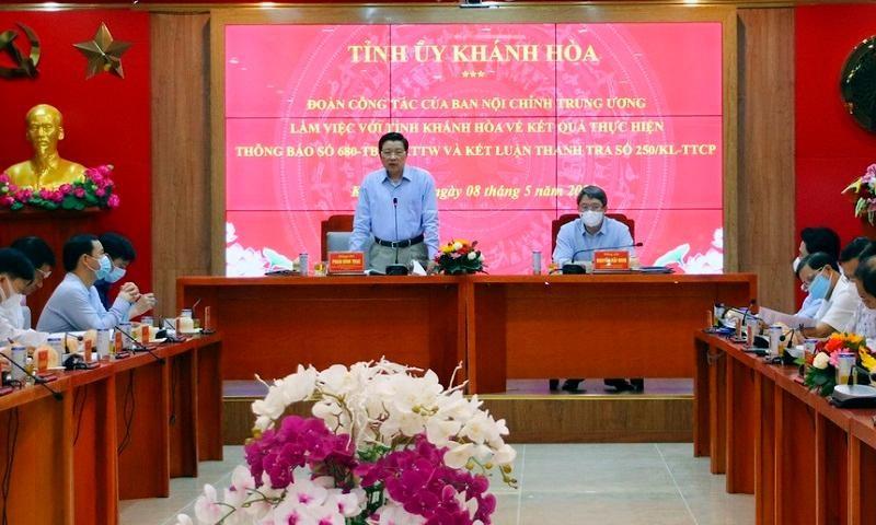 Ông Phan Đình Trạc chủ trì buổi làm việc với lãnh đạo tỉnh Khánh Hòa ngày 8/5