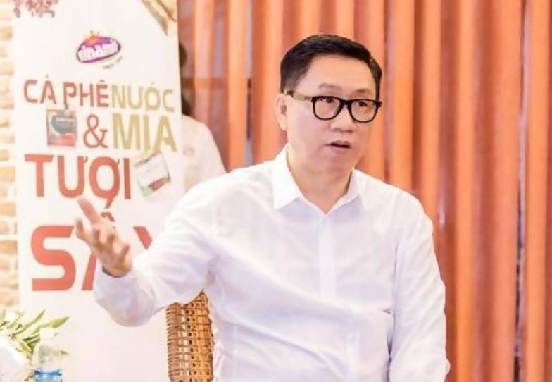 Chủ tịch Nguyễn Lâm Viên cho rằng trái cây, rau củ, thảo mộc hữu cơ... ép thành nước và vẫn giữ sự nguyên bản sẽ là thảo dược cho sức khỏe con người