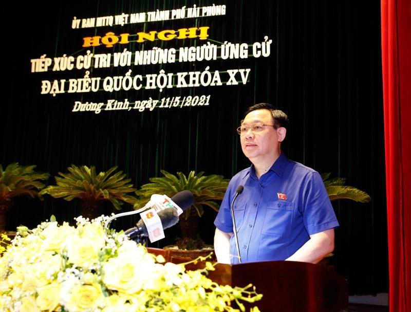 Chủ tịch Quốc hội Vương Đình Huệ tiếp xúc cử tri tại Thành phố Hải Phòng (Ảnh - DT)