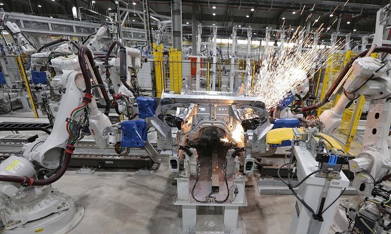 Dây chuyền sản xuất ô tô tại Vinfast
