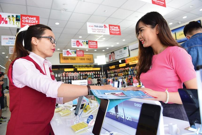 Dân số vàng, xu hướng tiêu dùng tăng ở Việt Nam khiến nhiều đại gia cho vay tiêu dùng ngoại thèm muốn