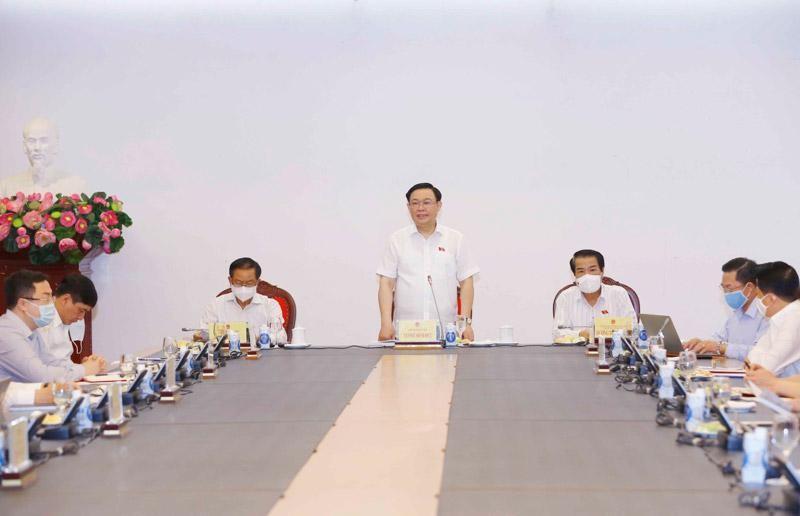 Chủ tịch Quốc hội Vương Đình Huệ đã làm việc với Ban Dân nguyện (Ảnh DT).