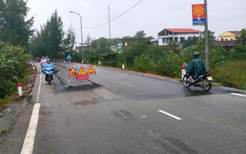 Một đoạn Quốc lộ 49 qua Thừa Thiên Huế.