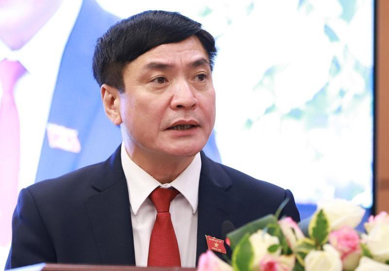 Tổng thư ký Quốc hội, Chánh Văn phòng Hội đồng bầu cử quốc gia Bùi Văn Cường tại buổi họp báo (Ảnh Duy Linh).