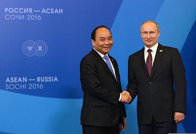 Chủ tịch nước Nguyễn Xuân Phúc gửi thư cho Tổng thống Putin