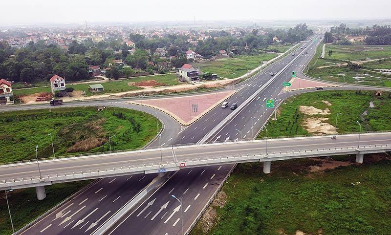 Việc xây dựng đường cao tốc tại Việt Nam trong thời gian vừa qua giống như một cỗ xe rất cần tốc độ, nhưng lại không thể bốc lên được như mong đợi.