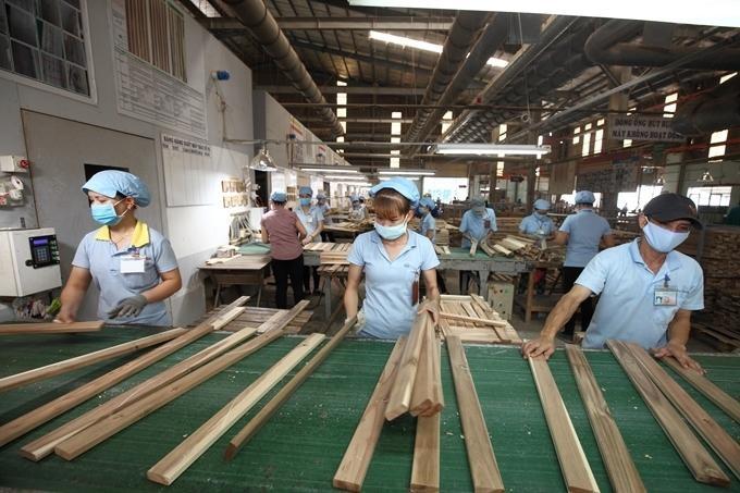 Đơn hàng đồ gỗ chảy mạnh về Việt Nam, đưa kim ngạch xuất khẩu 5 tháng tăng hơn 60% với 6,6 tỷ USD