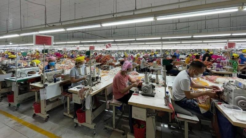 Hiện nay, tỉnh Bắc Giang đang phải thực hiện song hành 2 nhiệm vụ, vừa chống dịch, vừa khôi phục sản xuất.