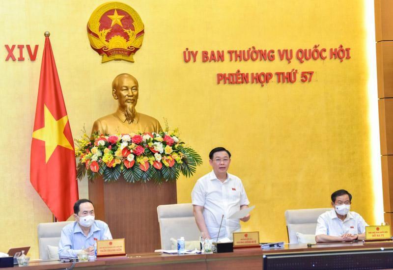 Chủ tịch Quốc hội Vương Đình Huệ phát biểu tại phiên họp (Ảnh Duy Linh).