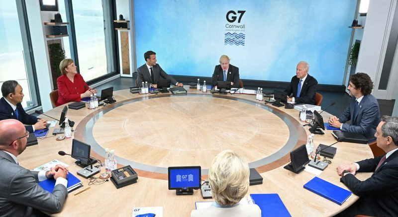 Lãnh đạo các nước G7 và khách mời tại buổi khai mạc Hội nghị thượng đỉnh G7 tổ chức ở vùng Cornwall, Anh vào ngày 11/6. Ảnh: AFP