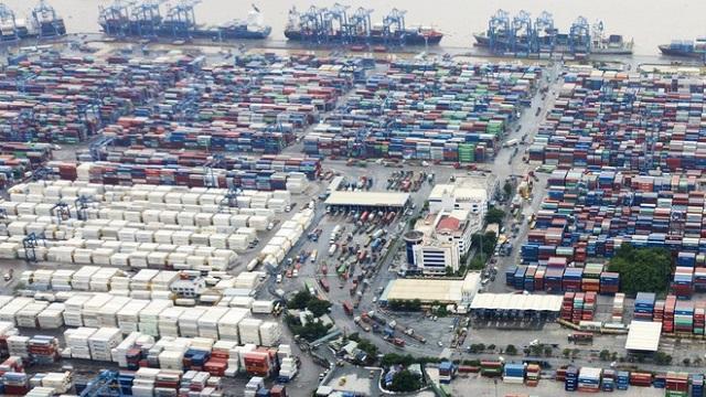 Thời gian thu phí hạ tầng cảng biển TP.HCM đang được đề nghị lùi đến ngày 1/10/2021. Trong ảnh: Cảng Cát Lái (TP.HCM) - ST