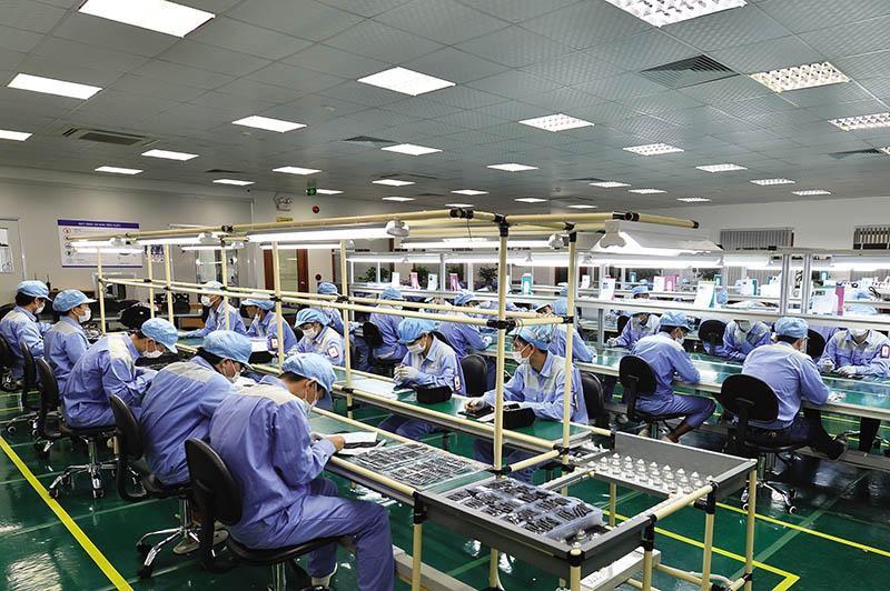 Nhà máy sản xuất điện thoại Bphone. Ảnh: Đức Thanh