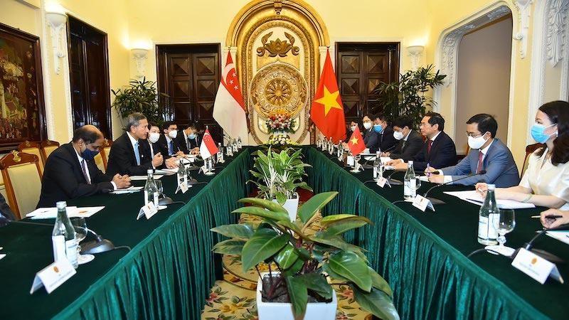 Hội đàm song phương giữa Bộ trưởng Ngoại giao Bùi Thanh Sơn và Bộ trưởng Ngoại giao Singapore Vivian Balakrishnan