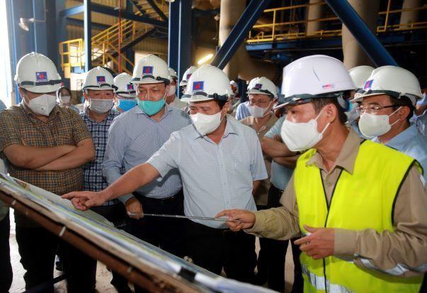 Phó Thủ tướng Chính phủ Lê Văn Thành yêu cầu phải tập trung tối đa nguồn lực, đẩy nhanh tiến độ, đưa nhà máy Nhiệt điện Thái Bình 2 vào vận hành, khai thác an toàn trong năm 2022 (Ảnh: VGP)